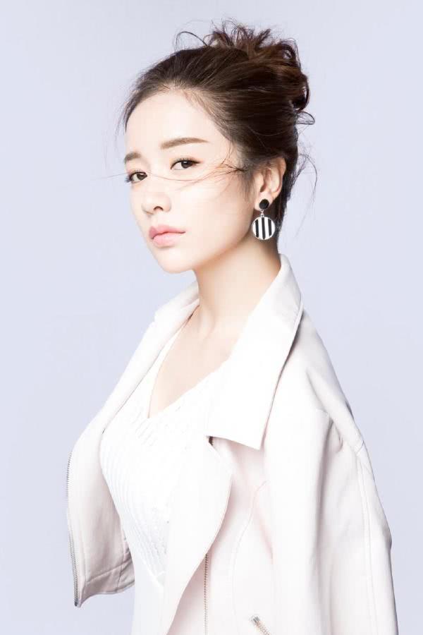 李春媛,中国内地影视女演员,毕业于北京电影学院