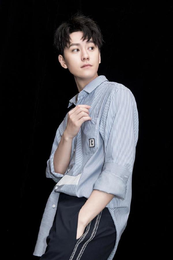 秦俊杰,1991年9月1日出生于福建省厦门市,中国内地影视男演员。
